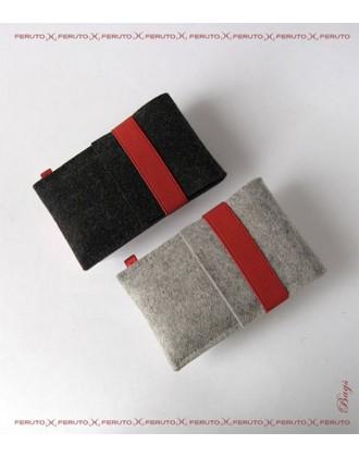 LITTLE WOLF iPhone German wool felt sleeve