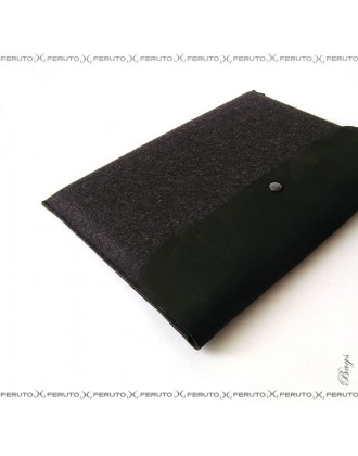 "BLACK BASIC sleeve for 15"" Macbook Pro"